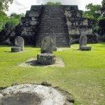 Ormanların Yuttuğu Şehir; Tikal